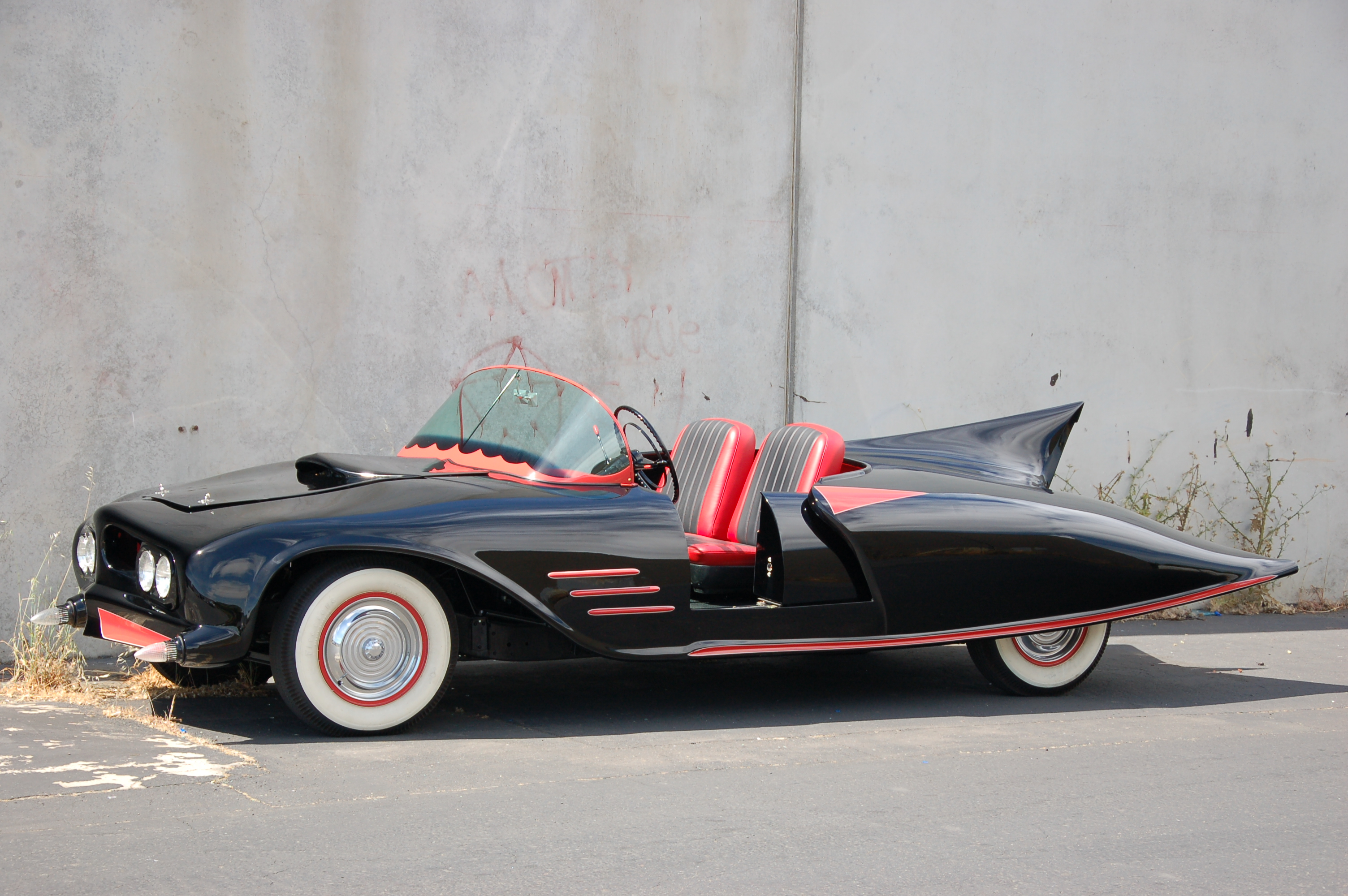 Batmobile among vintage autos on display at NorCal KnockOut