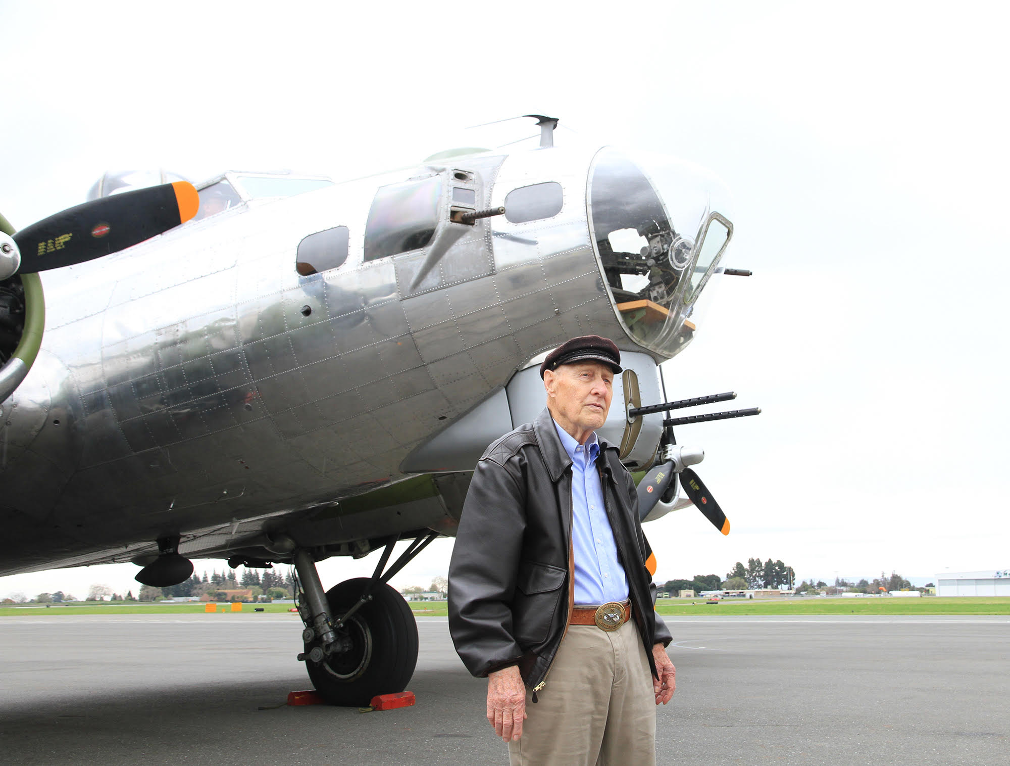 Former Bombardier Returns To Old Wwii Position In B 17